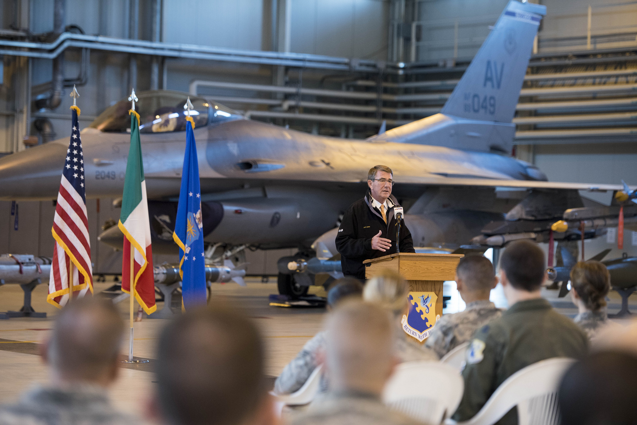 Defense Secretary Ash Carter speaks to airmen at Aviano Air Base, Italy, Dec. 13, 2016. DoD photo by Air Force Tech. Sgt. Brigitte N. Brantley